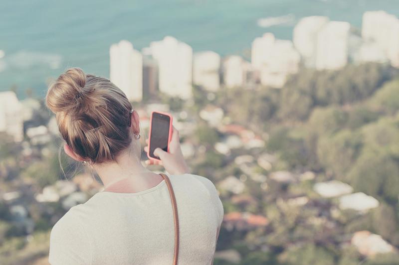 人気アカウントのコミュニケーションと世界観の作り方 / Instagram企業アカウント調査【2017年1月度】